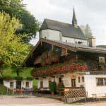 Der Gasthof zum Streichen mit der Streichenkirche,