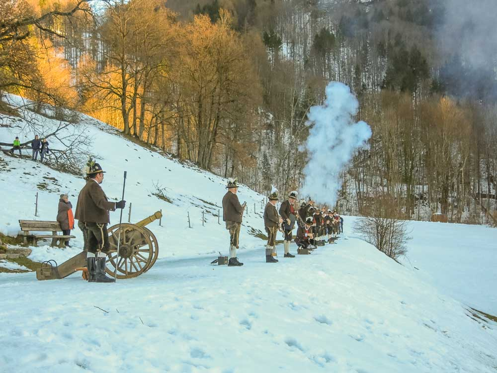 Christkindlanschießen der Gebirgsschützen in Oberwössen